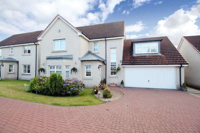 5 Bedrooms Detached Villa House for sale in Caithness Drive, Dunfermline, KY11 8GT