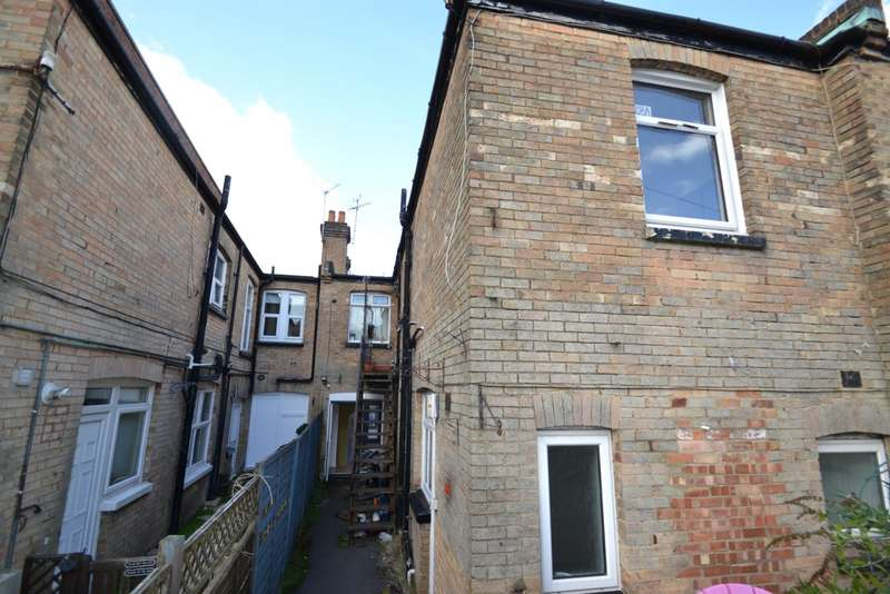 1 Bedroom Flat for sale in Charminster