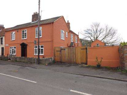 4 Bedrooms Town House for sale in Pump Lane, Saltfleet, Louth