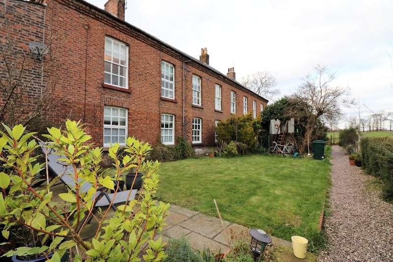 3 Bedrooms Maisonette Flat for sale in Orchard Lane, Puddington, Neston, CH64 5SG