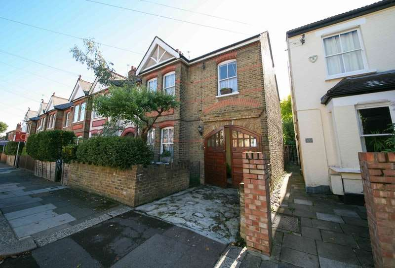 5 Bedrooms Semi Detached House for sale in Carlyle Road, Ealing, London, W5