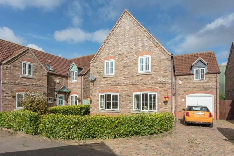 4 Bedrooms Detached House for sale in The Courtyard, Billingborough, Lincolnshire, NG34