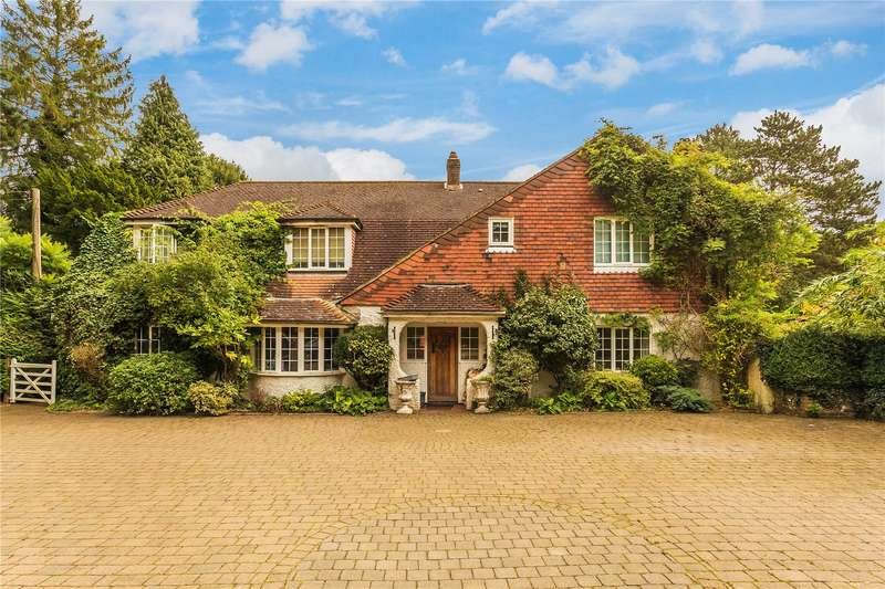 5 Bedrooms Detached House for sale in Kingswood Way, South Croydon, Surrey, CR2