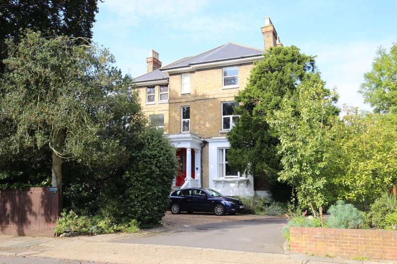 3 Bedrooms Apartment Flat for sale in Anlaby Road, Teddington