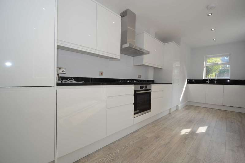 4 Bedrooms End Of Terrace House for sale in Avenue Road, London