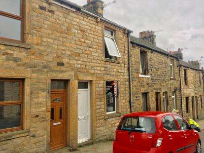 2 Bedrooms Terraced House for sale in Eastham Street, Lancaster, Lancashire, LA1
