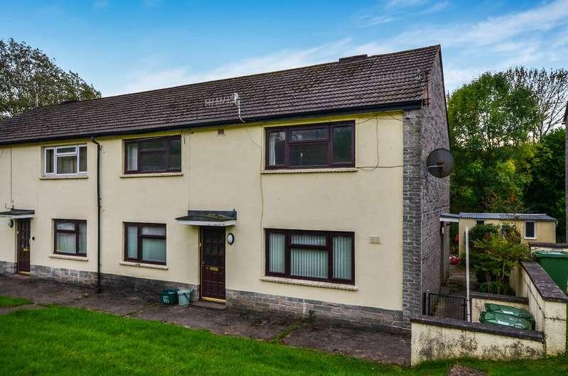 2 Bedrooms Flat for sale in Ffwrwm Road, Machen, Caerphilly, CF83