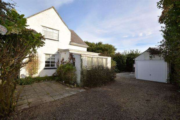 3 Bedrooms Detached House for sale in Portherras Cross, Pendeen, Penzance, Cornwall