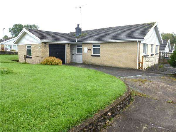 4 Bedrooms Bungalow for sale in Nant Yr Ynys, North Carmarthenshire, Llanpumpsaint