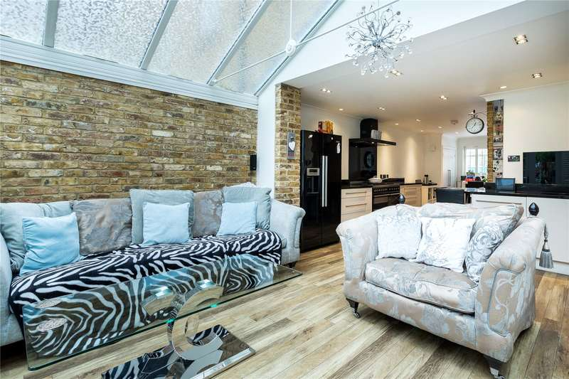 4 Bedrooms Terraced House for sale in Tottenham Road, London, N1