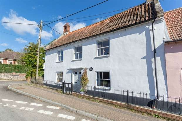 2 Bedrooms Semi Detached House for sale in The White House, Litcham