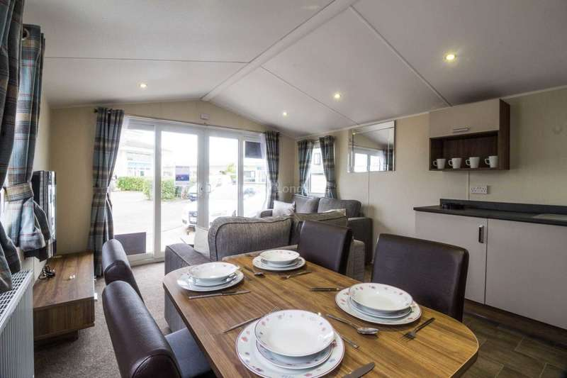 3 Bedrooms Mobile Home for sale in Scratby, Norfolk