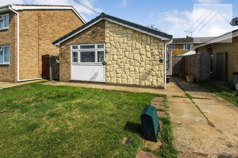 2 Bedrooms Bungalow for sale in Hallet Road, Canvey Island - DETACHED DELIGHT