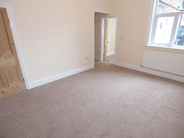3 Bedrooms Terraced House for sale in Springfield Road, Chorley, PR7