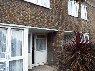 3 Bedrooms Maisonette Flat for sale in Perrott Street, Woolwich, London, Uk