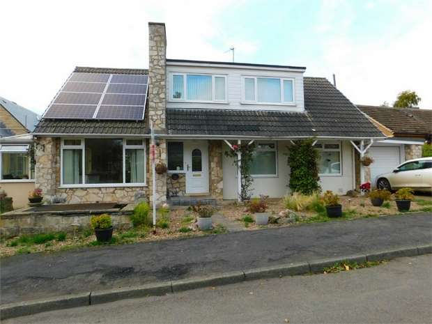 3 Bedrooms Detached Bungalow for sale in Stan Valley, Little Smeaton, Pontefract, North Yorkshire