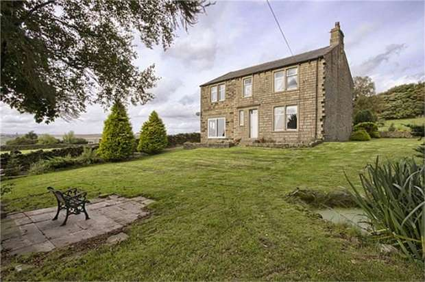 5 Bedrooms Detached House for sale in Noyna Road, Foulridge, Colne, Lancashire