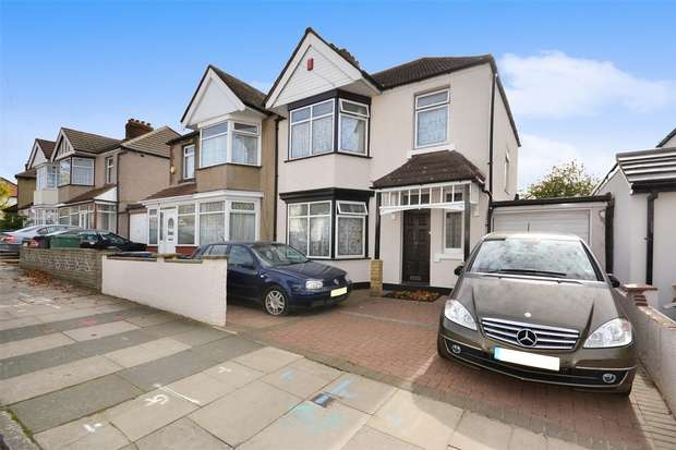 3 Bedrooms Semi Detached House for sale in Sudbury Heights Avenue, GREENFORD, Middlesex