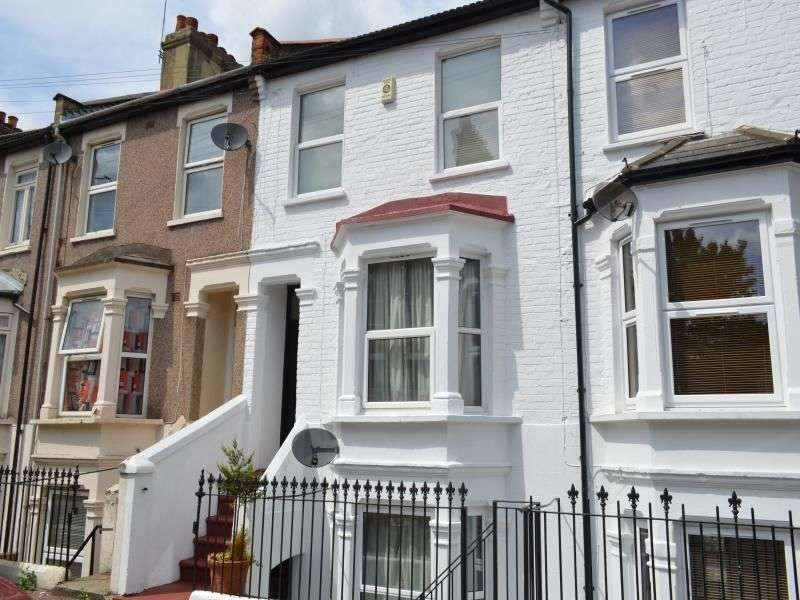 5 Bedrooms Terraced House for rent in Chesterton Road, London, E13