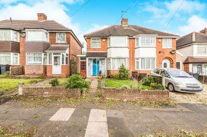 3 Bedrooms Semi Detached House for sale in Booths Farm Road, Great Barr, Birmingham, West Midlands