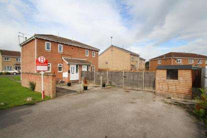1 Bedroom Flat for sale in Grizedale Avenue, Sothall, Sheffield, South Yorkshire