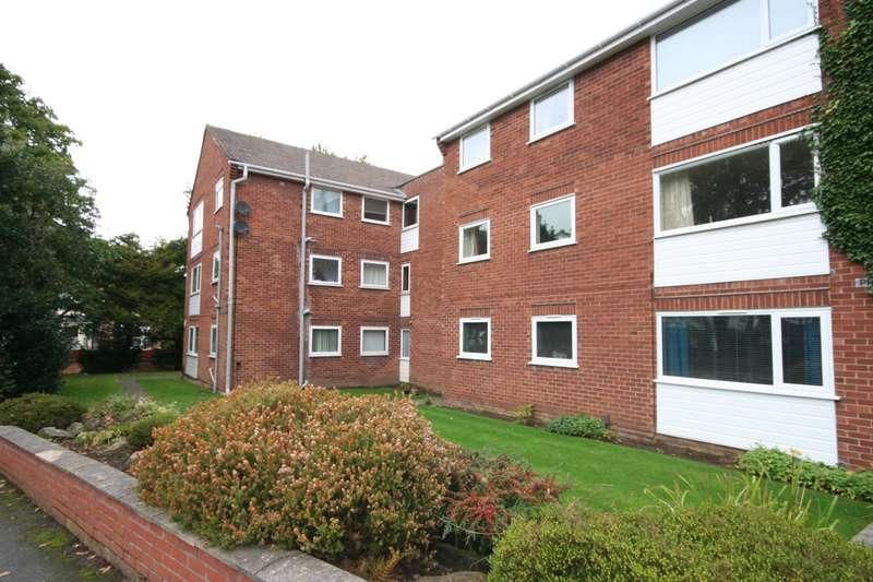 3 Bedrooms Flat for sale in Alton Road, Prenton, Wirral, CH43 1XN