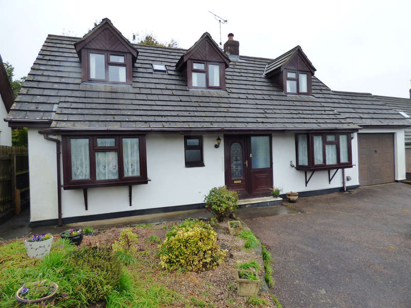 4 Bedrooms Bungalow for sale in North Tawton