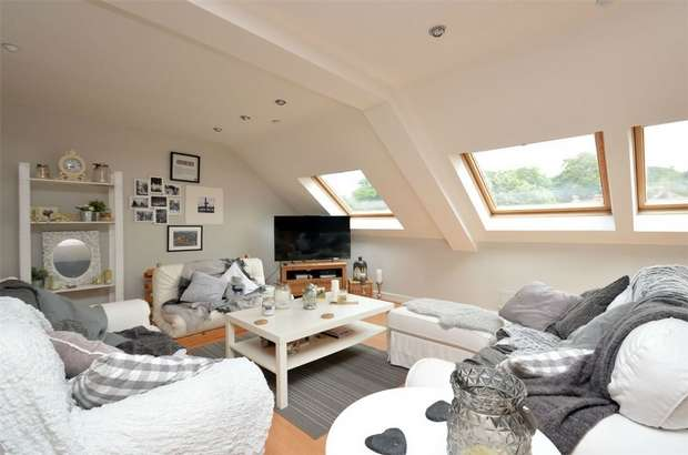 3 Bedrooms Flat for sale in Clarence Mill, Clarence Road, Bollington, Macclesfield, Cheshire