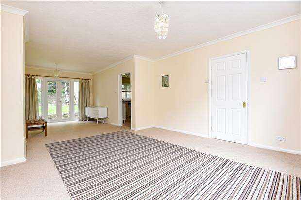 3 Bedrooms Semi Detached House for sale in Wharncliffe Road, LONDON, SE25