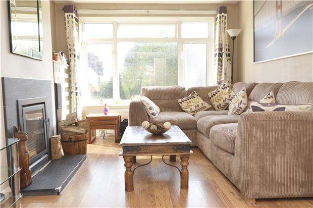 3 Bedrooms Semi Detached House for sale in Baker Road, ABINGDON, Oxfordshire, OX14 5LW