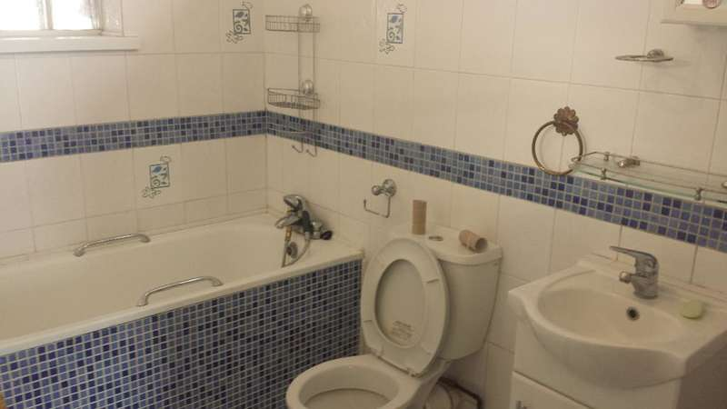 3 Bedrooms End Of Terrace House for rent in Westminister Gardens, Barking, Essex, IG11 0BL