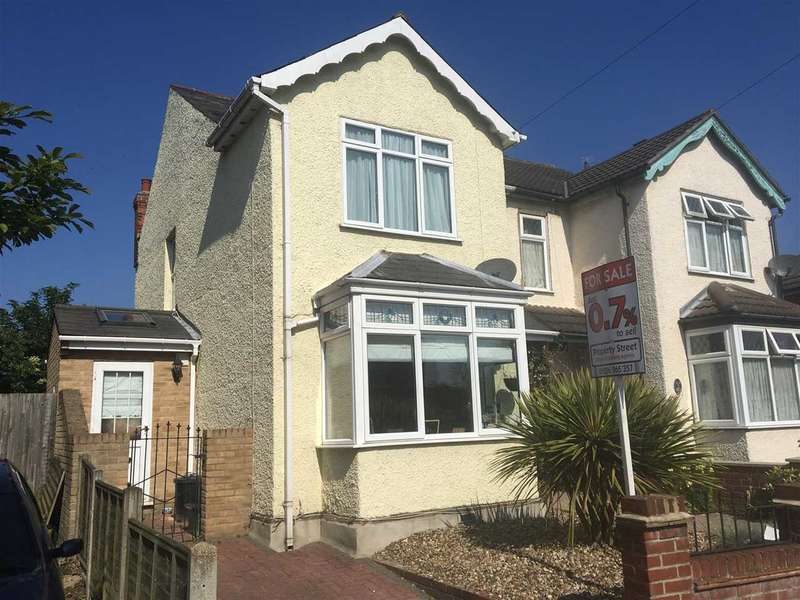 4 Bedrooms Semi Detached House for sale in Bourne Road, Colchester