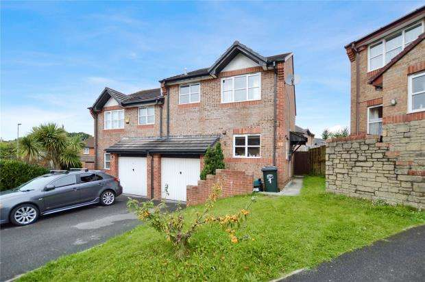 3 Bedrooms Semi Detached House for sale in Little Barton, Kingsteignton, Newton Abbot, Devon