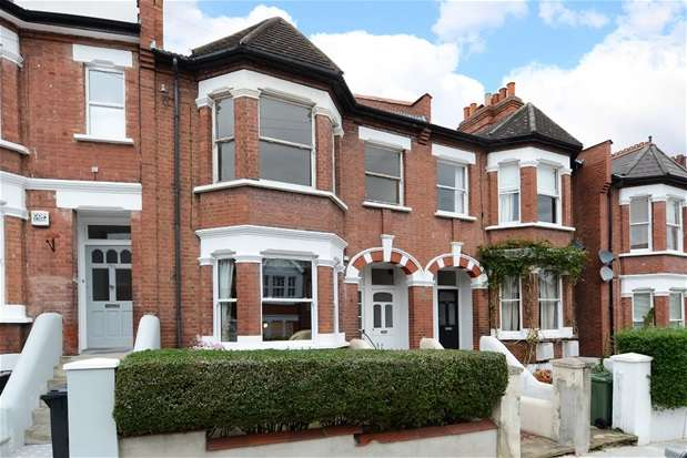 3 Bedrooms Maisonette Flat for sale in Casewick Road, West Norwood