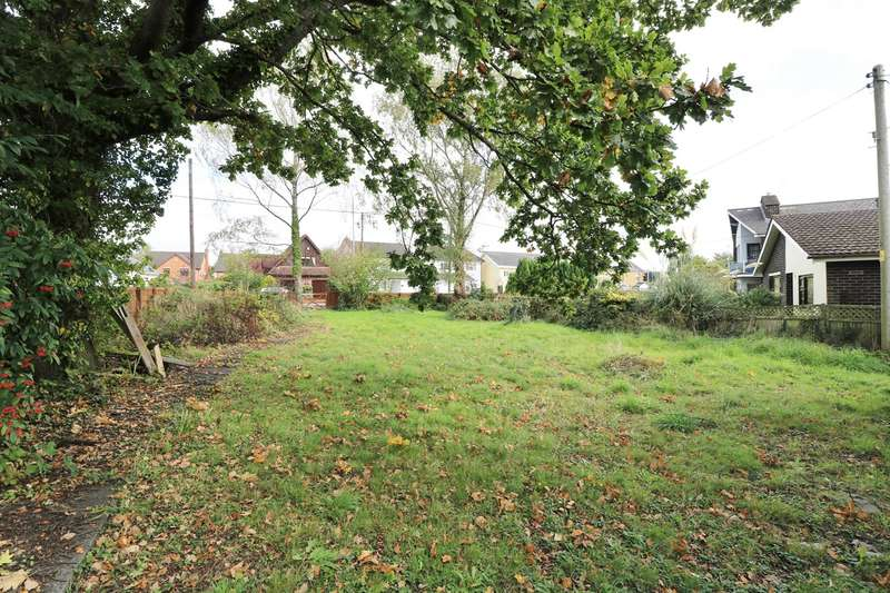 Detached Bungalow for sale in Caerleon Road, Ponthir, NEWPORT, NP18