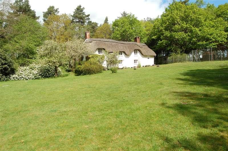 3 Bedrooms Detached House for sale in St. Stephens Lane, Verwood, Dorset, BH31