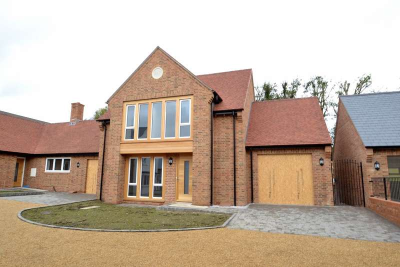 3 Bedrooms House for sale in Lytchett Matravers
