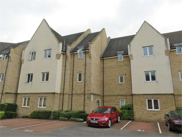 3 Bedrooms Flat for sale in Flawn Way, Eynesbury, St Neots, Cambridgeshire