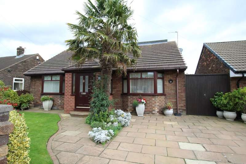 3 Bedrooms Detached Bungalow for sale in Crow Wood Lane, Widnes, WA8