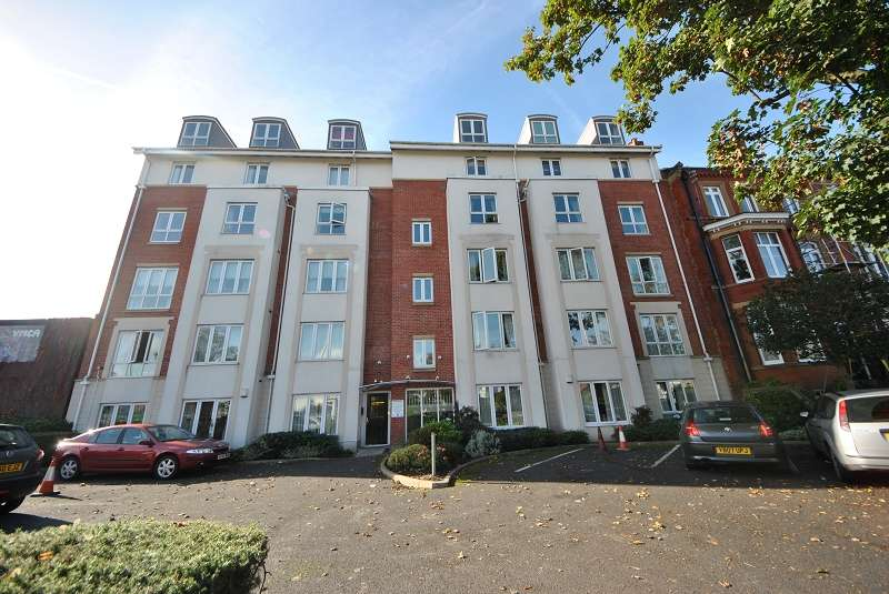 2 Bedrooms Flat for sale in Manchester Road, Southport, Merseyside. PR9 9HG