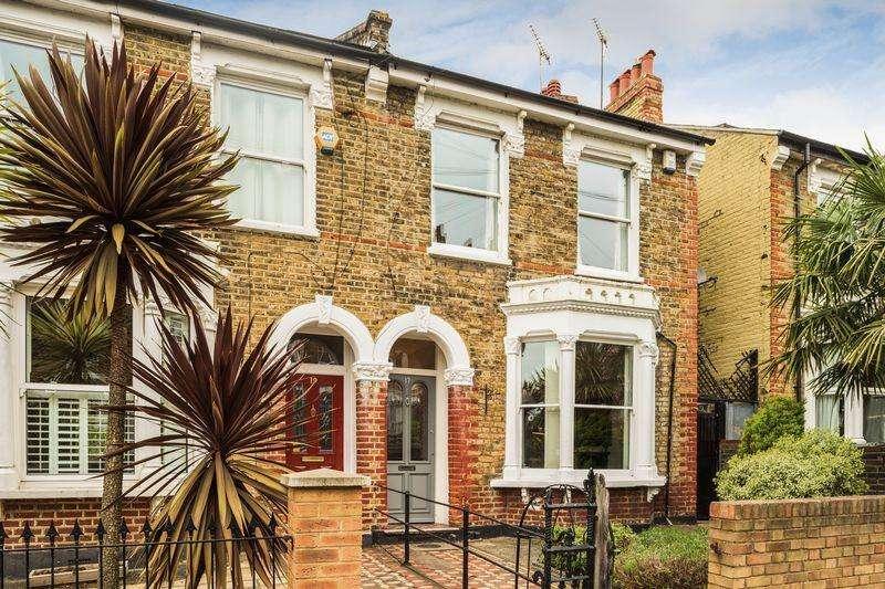 5 Bedrooms Semi Detached House for sale in Sundorne Road, Charlton