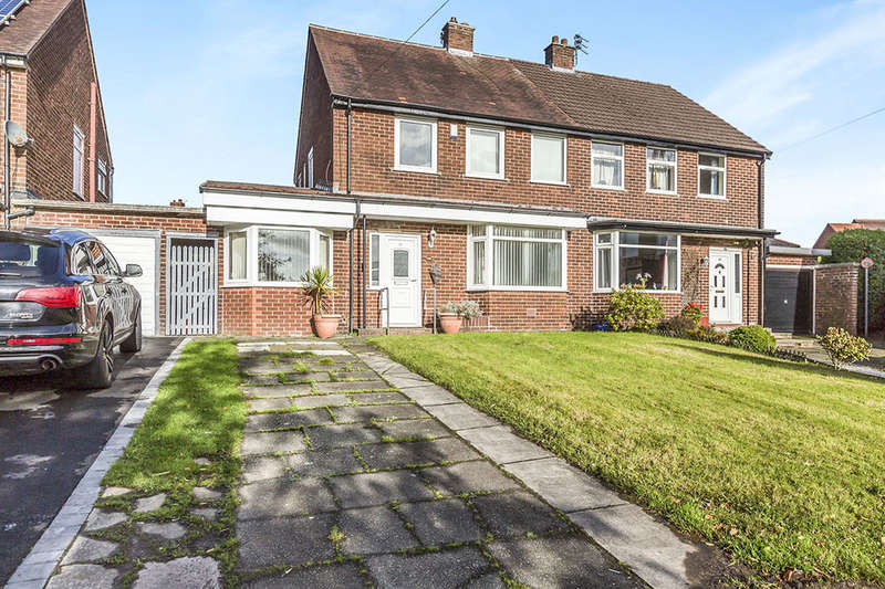 3 Bedrooms Semi Detached House for sale in St. Johns Green, Leyland, PR25
