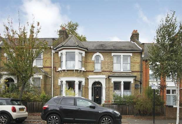 5 Bedrooms Terraced House for sale in Forest Drive East, Leytonstone, London