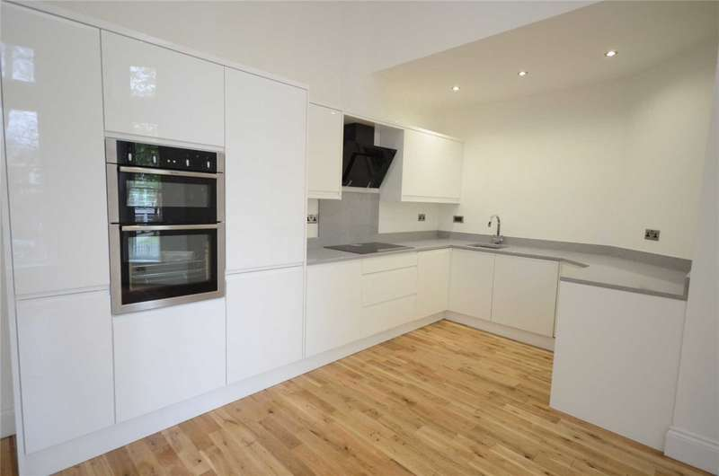 2 Bedrooms Flat for sale in Liverpool