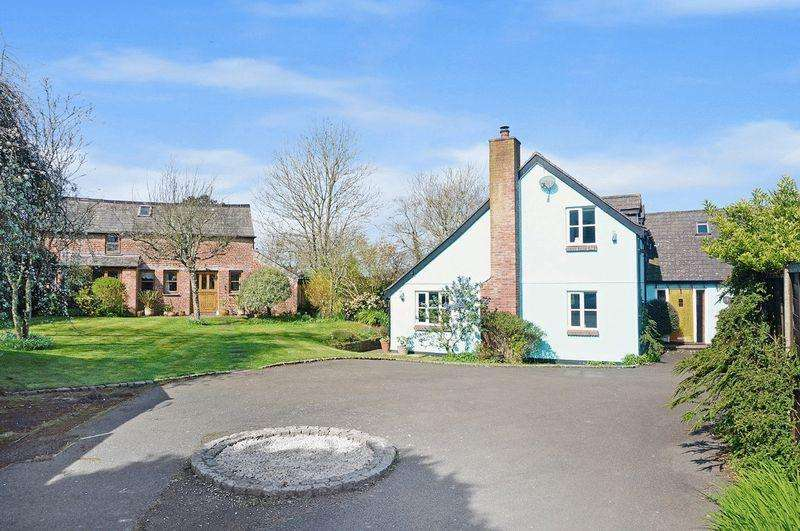 5 Bedrooms Detached House for sale in Marhamchurch, Bude