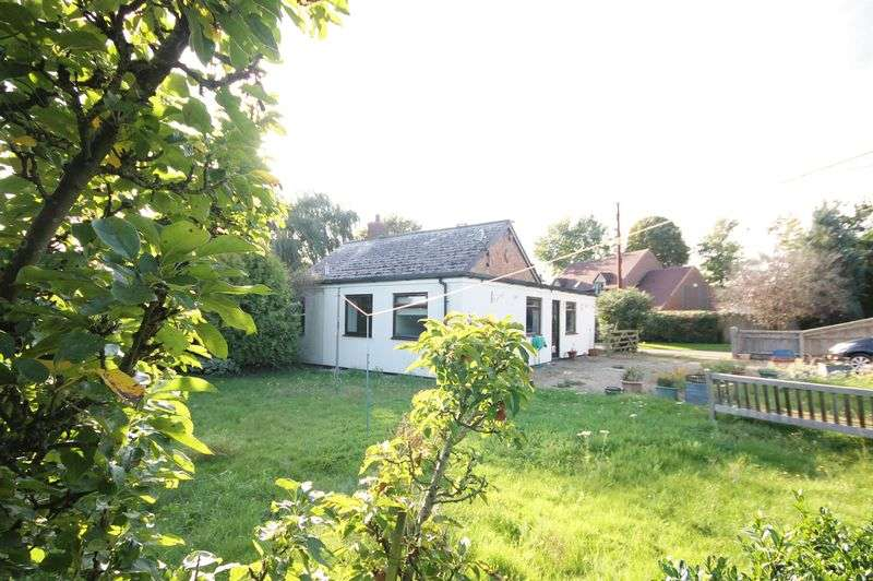3 Bedrooms Property for sale in Gravel Pits Lane, Yarnton