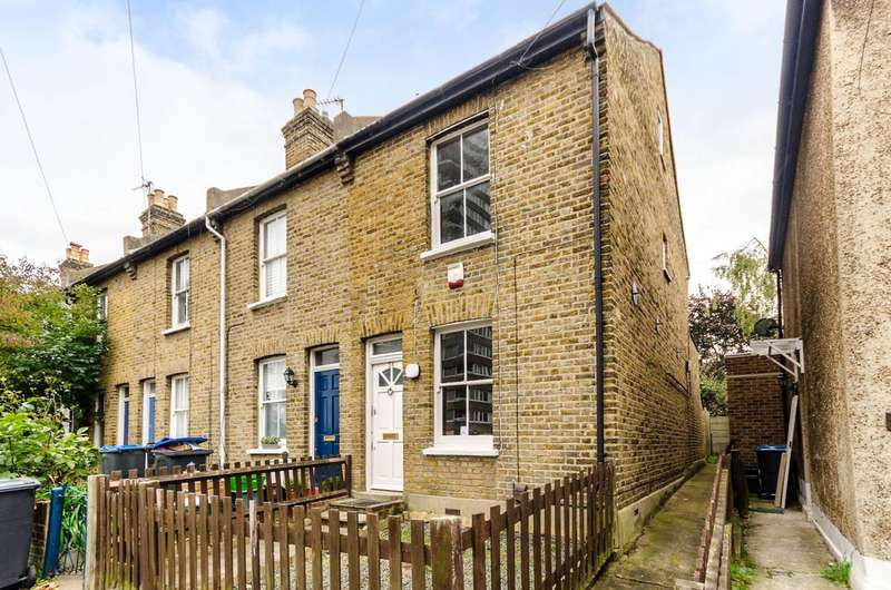 2 Bedrooms End Of Terrace House for sale in Vincent Road, Kingston, KT1