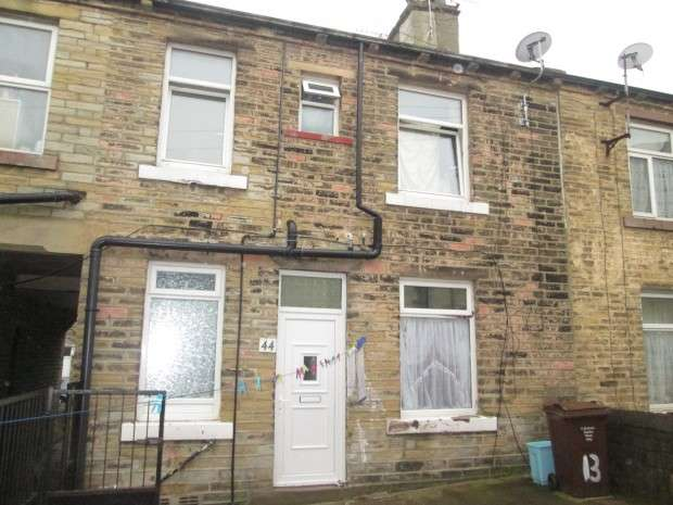 2 Bedrooms Terraced House for sale in Ackworth Street, Bradford, BD5