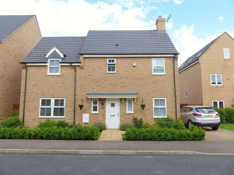 4 Bedrooms Detached House for sale in Shackleton Way, Yaxley, Peterborough, Cambridgeshire. PE7 3AB