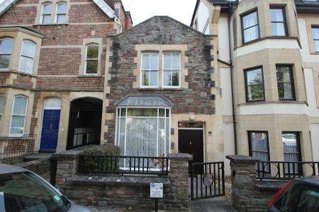 2 Bedrooms Property for sale in Whatley Road, Clifton, Bristol BS8 2PS